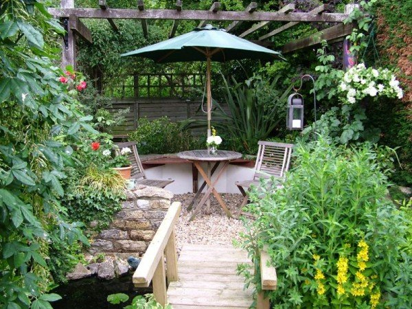 garden-landscaping-ideas-services-small-gardens-800x600