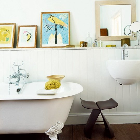 10-bathroom-for-family-best-ideas-Group-paintings-to-create-display