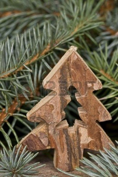 6002894-natural-christmas-decoration-with-christmas-tree
