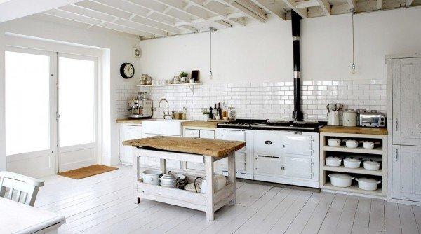 retro-white-open-kitchen-sharp-country-white-wood-floors