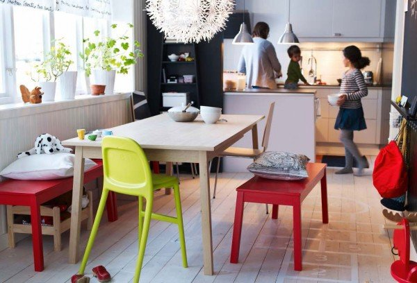 Creative-2012-IKEA-Dining-Room-Ideas-with-Wooden-Dining-Table-and-Red-Colored-Chairs