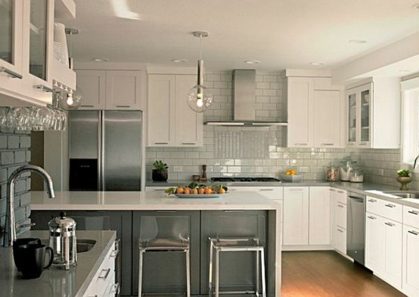 white-cabinet-grey-ceramics-backsplash-in-minimalist-kitchen-design-915x649