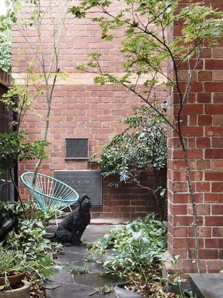 TessaBlazey-courtyard