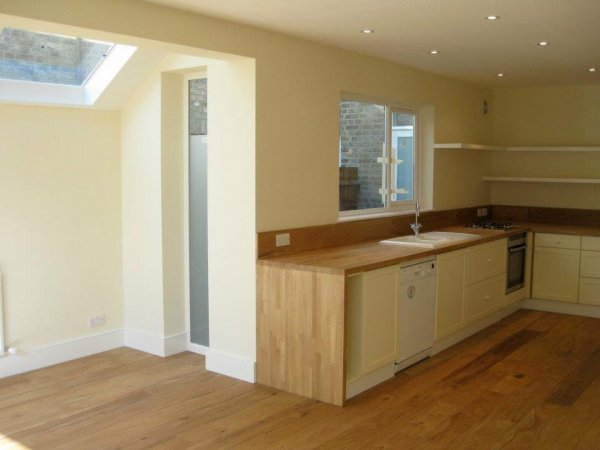 wood-flooring-and-worktop
