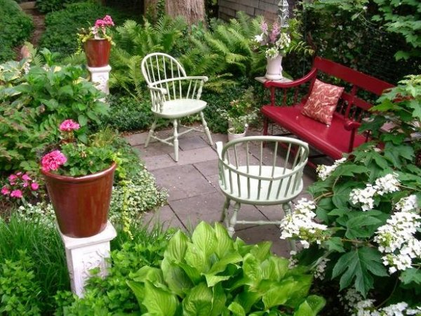 Patio-Garden-Bench-Sitting-Area