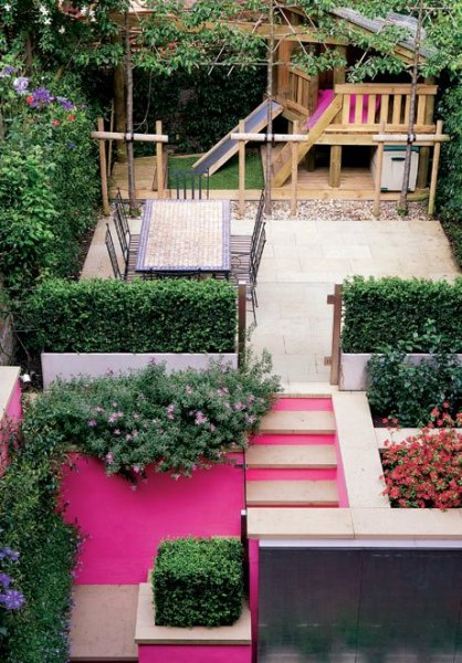 Pink-family-garden-001