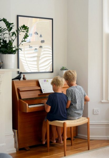 boys-playing-piano (1)