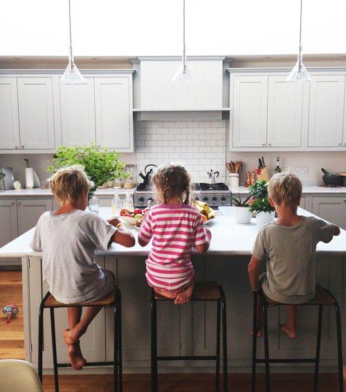 kids-in-kitchen