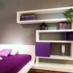 modern-bedroom-design-with-original-wall-shelves-250x250