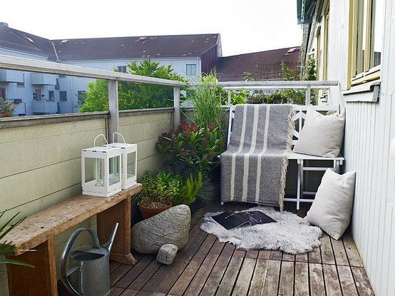 simple-balcony-ideas-affordable-cheap-interior-design-balcony-design-balcony-plants-appartment-balcony-10