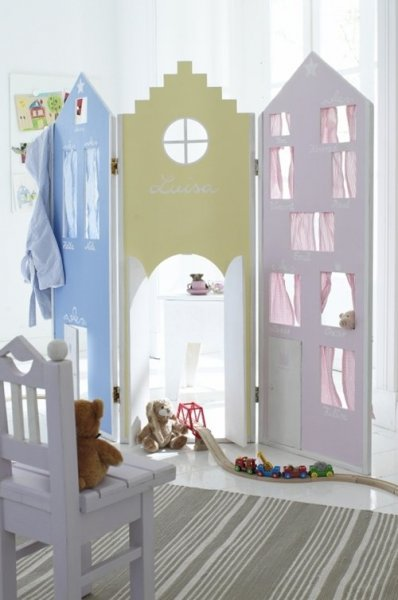 Cute-Pastel-Colored-Room-Divider-for-Kids-Room