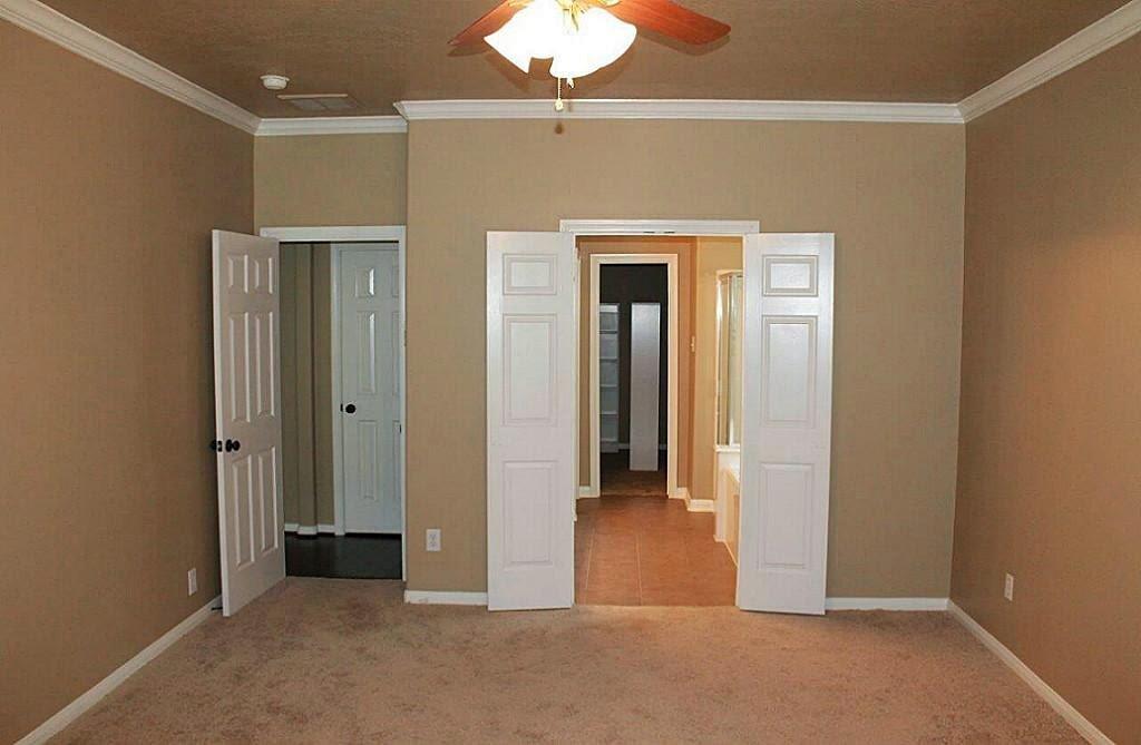 S t t hallb l der s h l szoba lakjunk j l Double doors for master bedroom