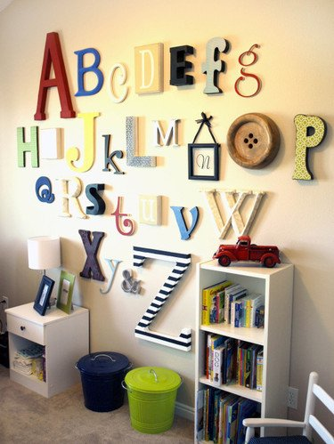 decorating-interiors-with-letters-2