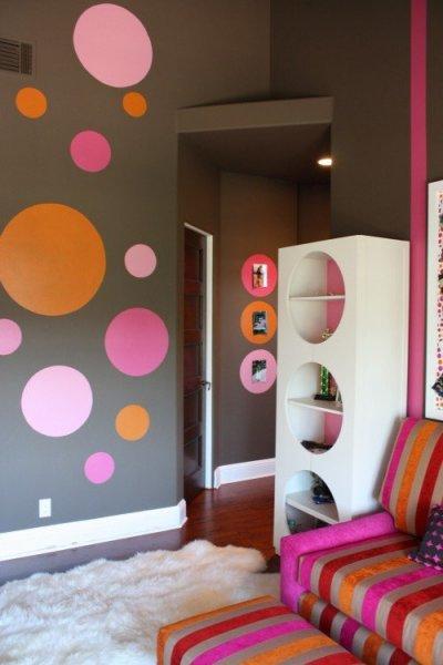 10-Contemporary-grey-gray-pink-orange-kids-room-gorls-bedroom-circle-spot-decor