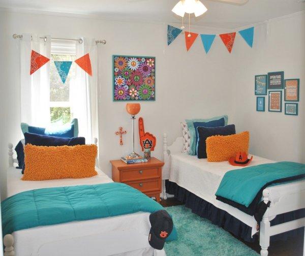 imaginative-blue-and-orange-bedroom