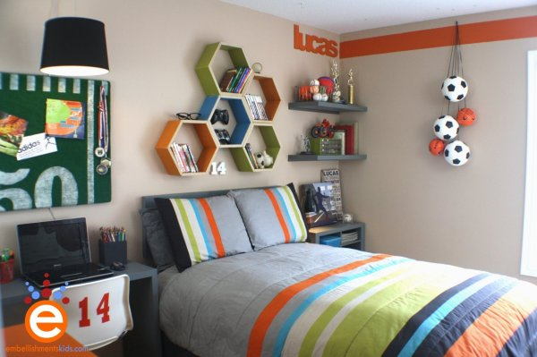 natural-grey-gray-orange-green-sports-football-themed-teenage-boys-room
