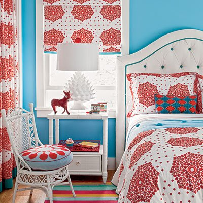 old-soul-bedroom-red-blue-cl-l
