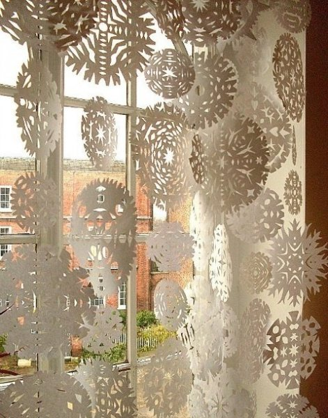 awesome-christmas-window-decor-ideas-3
