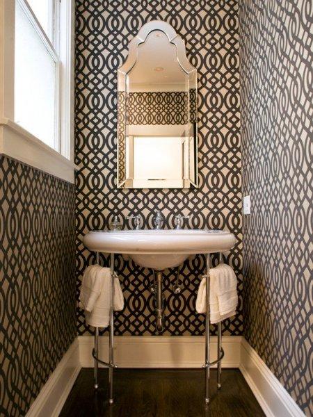 bold-bathroom-decoration-wallpaper