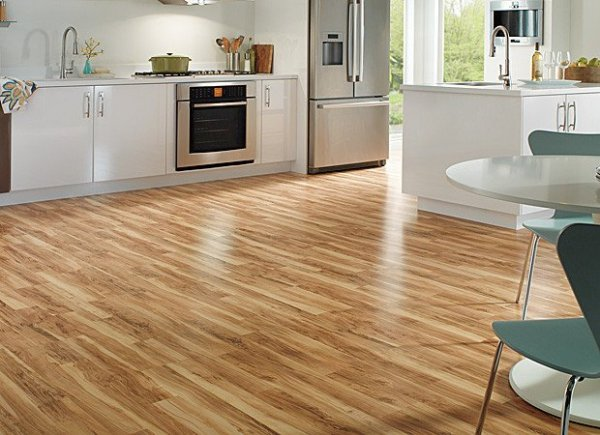 Laminate-floor-in-kitchen