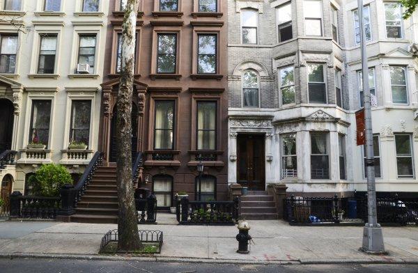 brownstone-houses