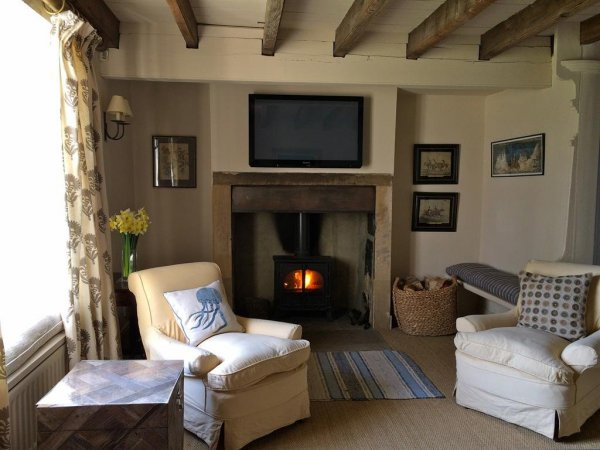 farm-house-stokesley-english-holiday-letting-reception-room--200-3034453_2400_1800
