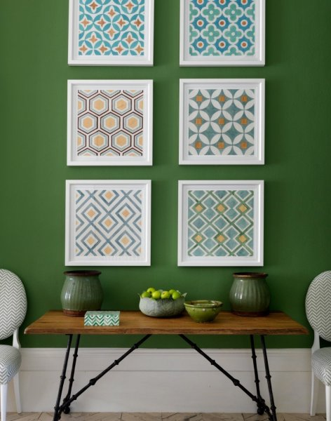 Green-traditional-hallway-with-artwork