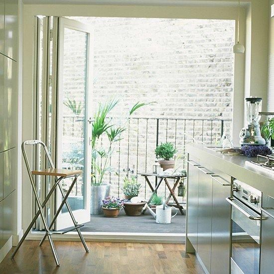 Small-balcony-with-plants-housetohome.co.uk