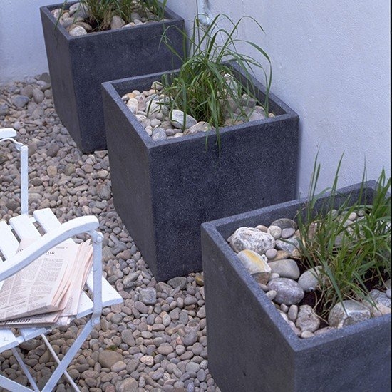 Tiny-patio-with-beachy-feel-housetohome.co.uk