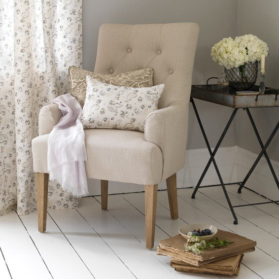 Neutral-armchair-and-tray-table--Country-Homes-and-Interiors--Housetohome.co.uk