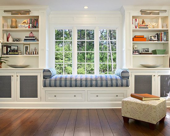 wonderful-living-room-with-asymmetric-wall-space-and-moulding-window-for-awesome-window-seating-design