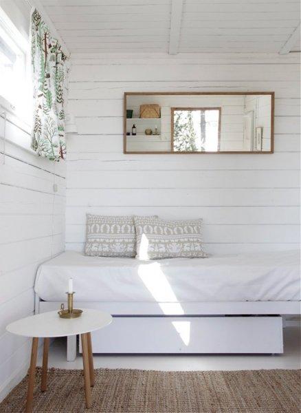 white-cabin-1
