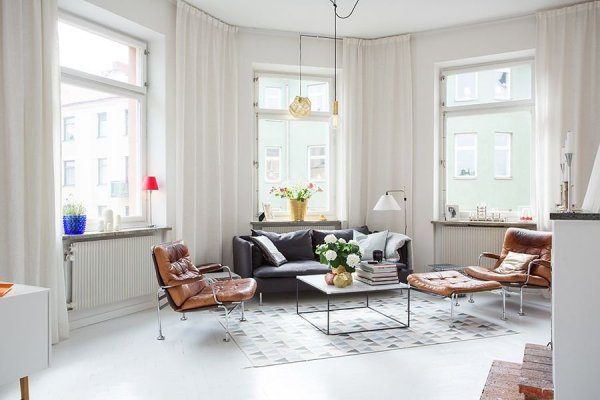Bright-living-room-of-the-Swedish-apartment