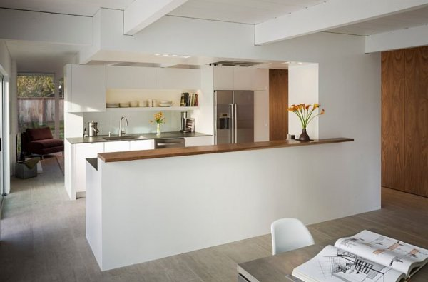 Connect-the-kitchen-with-the-dining-space-with-a-half-wall